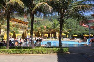 hotel fazenda saint nicolas águas de lindoia piscinas adulto e infantil com toboágua